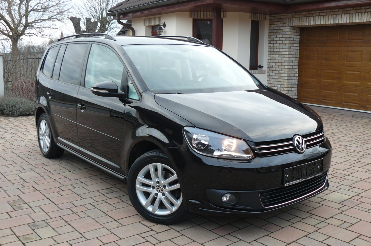 vw touran 1 4 tsi 103kw comfortline auto liva. Black Bedroom Furniture Sets. Home Design Ideas